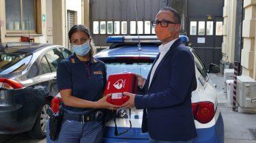 Sinergest dona due defibrillatori alla Questura di Lucca